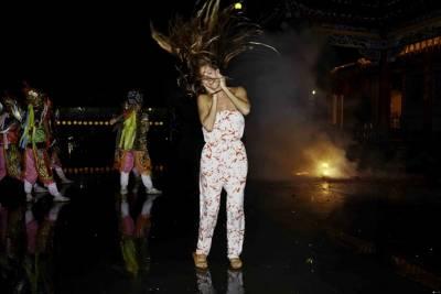 ROXY 25週年影片來台拍攝 知名衝浪好手MONYCA性感代言 台灣著名景點全入鏡 繼暨悲情城市 露西後掀起另波觀光行銷話題