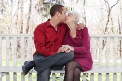 差60歲的愛!31歲的他與91歲的她