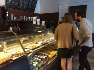 """洛杉磯的""""傻逼星巴克""""咖啡店"""