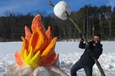看完這名男子用雪做出來的「烤棉花」糖 只想羨慕的大叫:可惡!想玩!