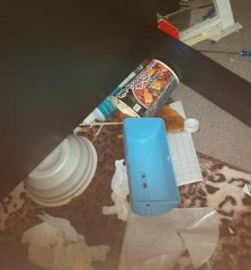 男友出軌被發現..女友一怒之下竟在他房間弄了這種東西..!鄰居都知道了阿...