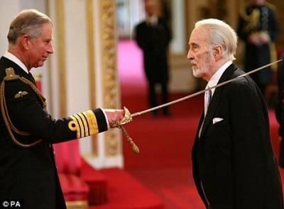 震驚!!魔戒老演員竟那麼強!!曾是特種部隊!演出007時,他用真實殺戰經驗…