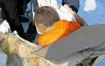 驚悚!!蒙古200年僧侶木乃伊出土,打坐宛如昨日!