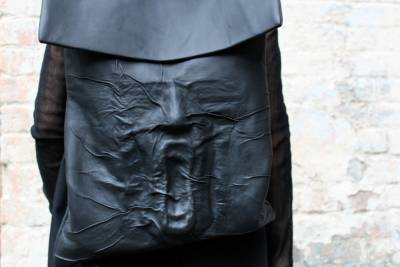 怕撞包嗎?肢解人體部位讓你走在時尚尖端!