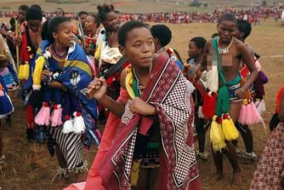 揭秘非洲酋長驚人奢靡生活!!妻妾4000多人,死時41人陪葬!
