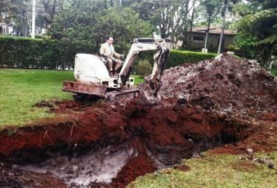 巴西土豪把賓士車埋葬了,原因竟然是…土豪一言,震撼了全世界