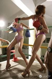 美女打拳擊