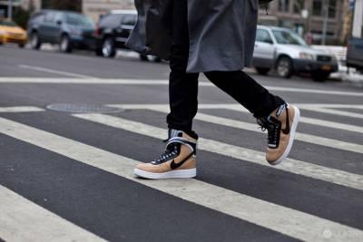 紐約時裝周現場最受矚目的20雙球鞋