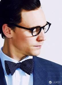 戴上黑框眼鏡 讓你 妳 更有個性!