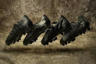足球場上的暗夜騎士,adidas Black Pack 系列球鞋明日上市