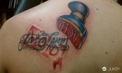 原以為「修改刺青」會變得更酷...沒想到一切卻越來越糟!