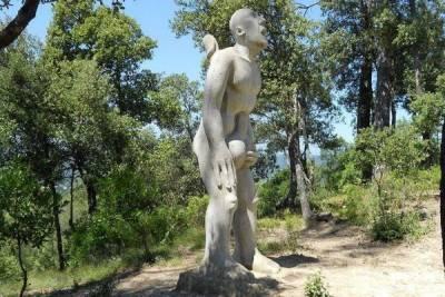 令人害羞的西班牙陽具公園 來這邊上健康教育就對了?