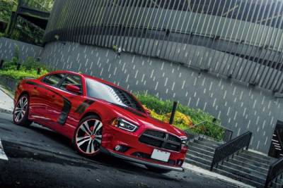 不怒自威 Dodge Charger SXT Plus