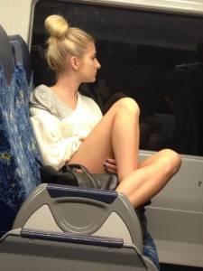 在火車上遇到美女這樣佔位,鄉民們看到竟然說....