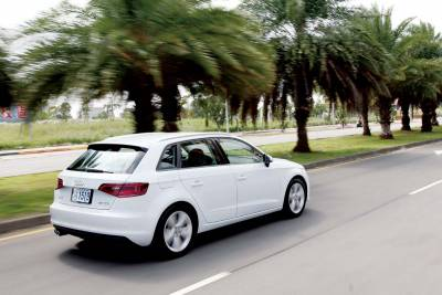 四變二 二變四Audi A3 Sportback 35 TFSI