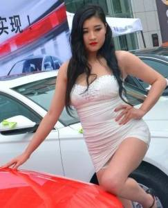 那天去車展看心儀的女神,看完後,再也無法相信網路了!
