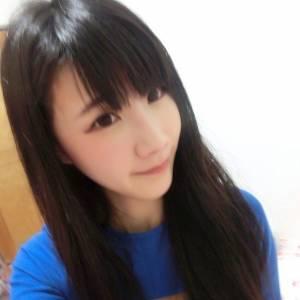 神到了!捷運市府站「50嵐」野生正妹私照曝光 竟是一位正妹工程師...