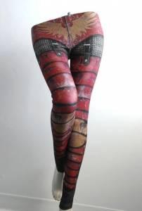 女友穿上鎧甲內搭褲會讓你更興奮嗎?