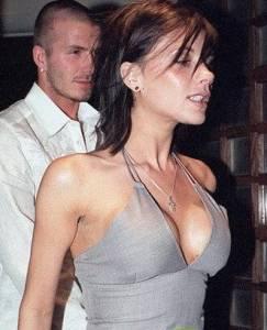 女星偽造豪乳 被拆穿的尷尬瞬間!