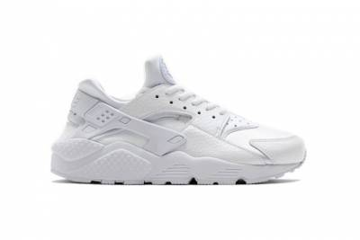 復刻現身!Nike推出全白Air Huarache「White Pure Platinum」系列鞋款│GQ瀟灑男人網