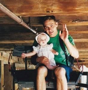 「保羅沃克」25歲時女友突然懷孕,但當時他還太年輕…竟做出了這種不負責任的事…