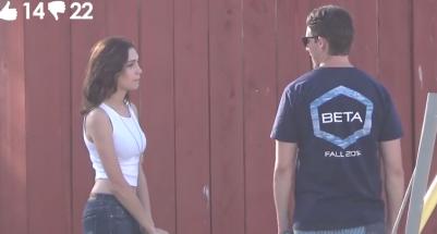 這名女子在街頭詢問陌生男人要不要和她「上床」…其中70人都說了同一個答案!