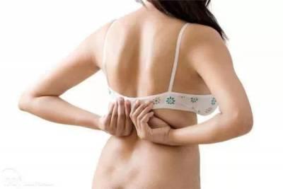 許多女人都不知道的穿內衣技巧!讓妳不再走光,胸罩不再滑落...