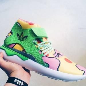 鬼才設計師Jeremy Scott與adidas聯名推出全新Tubular鞋款 魔鬼氈綠蛇紋皮革混搭塗鴉風