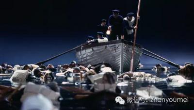 「鐵達尼號」沈船見人性!有富人犧牲自己讓婦女先上船,但有個日本人竟然男扮女裝…