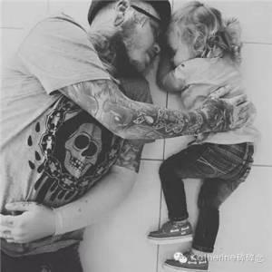 心理學家: 遇到有紋身的男人就嫁了吧!看看這些女人小孩有多幸福.....