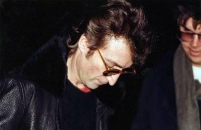 名人死前最後照片,照片中的男人隨後槍殺藍儂,保羅沃克的那張讓我心碎…