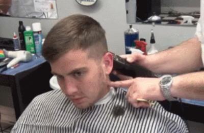 今年就讓理髮師幫你這樣剪,男人不剪這個髮型別說你很帥!簡直帥到不給人留活路~