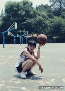 男朋友的籃球衣是世界上最美的連衣裙!