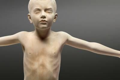 你相信嗎?這都是用木頭雕出來的人像!宛若真人
