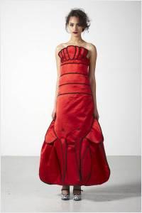 與龍共舞裡的知名設計師 『西盪‧普利斯』20年前的設計,竟成了永遠的經典設計!