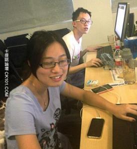 公司唯一的女程式員自拍 讓我小鹿亂撞最後吐血而死..