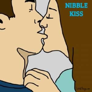 偷咬對方嘴唇是種性暗示?10種接吻方式看出情侶間的秘密關係│妞新聞