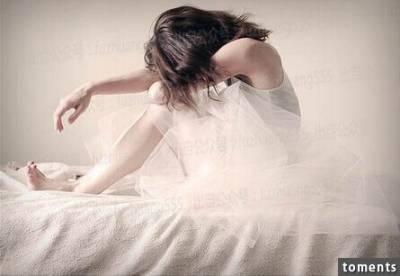丈夫老是愛抱怨妻子婚後變黃臉婆,還嫌棄招待客人時煮菜發黃讓他顏面盡失,某天半夜,丈夫醒來發現妻子消失,事情的真相竟讓他崩潰到........!