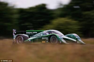 英國電動賽車時速328公里打破塵封紀錄