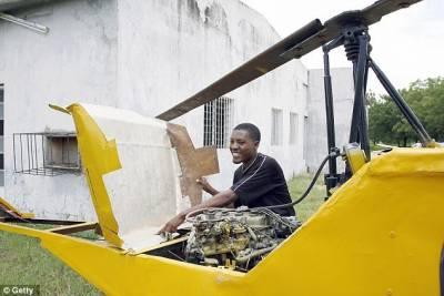 非洲飛行迷自製山寨飛機:廢舊材料製造僅25公斤