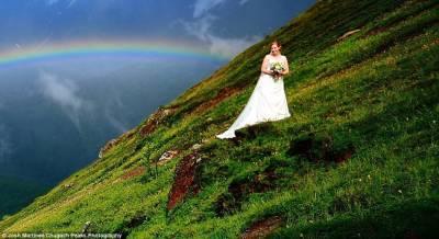 大自然的祝福:兩道彩虹裝點美麗婚紗照