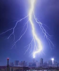 美攝影師拍壯觀天氣景象:暴風雨雲似核爆炸