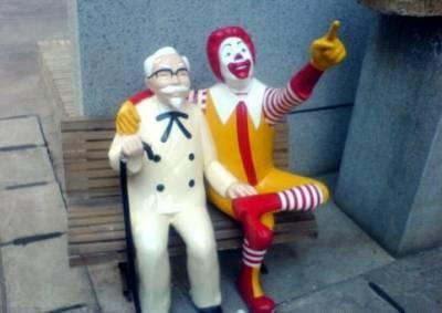 穿麥當勞外送制服去肯德基