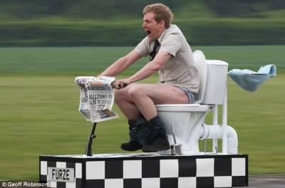 英國水管工發明最快移動馬桶時速88公里