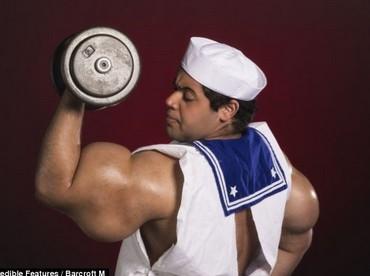 埃及男子手臂粗壯成現實版大力水手