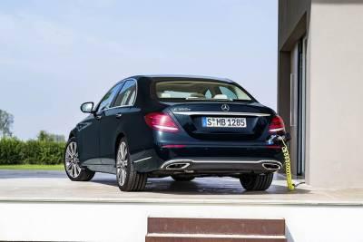 Mercedes-Benz New E-Class將陸續追加新車色與多款新車型!