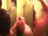 震撼!兒子突然變得很愛洗澡,一天要洗好幾次!爸媽決定偷看後,竟不小心看到這驚人的一幕...太尷尬了!