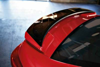 重拾「硬皮鯊」作風?新一代Subaru Impreza「四門」版本搶先曝光!