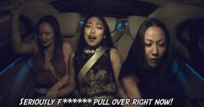 白目乘客瘋狂嘲諷羞辱「正妹司機」,沒想到她「下一秒」的動作,讓他們全部嚇到漏尿!